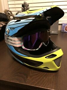 Specialized Dissident Custom Painted Full Face Helmet Size Large