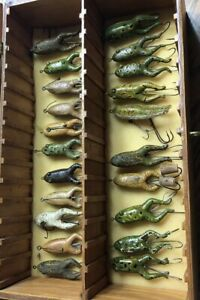 STUNNING! VINTAGE 21 DIFFERENT PFLUEGER WEEDLESS CONRAD FROG COLLECTION LURE