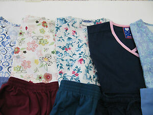 WOMANS LOT OF SCRUBS  5 TOPS 5 PANTS   VERY NICE CONDITION   SIZE XSM (BOX 29)