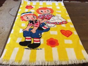 VINTAGE RAGGEDY ANN AND ANDY HAND TOWEL $7.99
