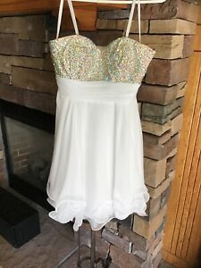 LA FEMME #16173 White Cocktail Homecoming Party Dress size 2 Perfect