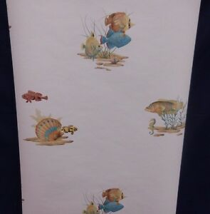 Fish Shells Wallpaper on White Background #ZK60132 (Lot of 3 Double Rolls)