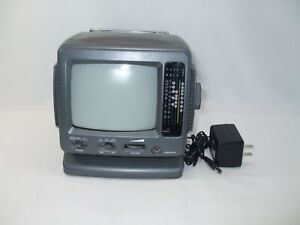 VTG black and white MINI PERSONAL TELEVISION WITH AMFM RADIO 5