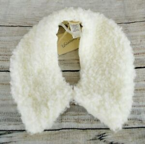 Universal Thread Women's Soft Faux Sherpa Collar Short Scarf Winter White