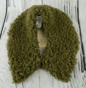 Universal Thread Women's Soft Faux Sherpa Collar Short Scarf Winter Olive OS