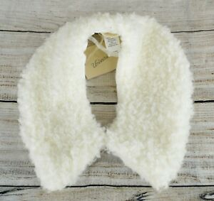 Universal Thread Women's Soft Faux Sherpa Collar Short Scarf Casual White OS