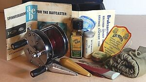 Rare ABU Record Sport 2100 blue-agate tournament casting reel in wooden case