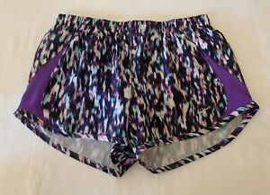 Nike Dri Fit Women's 5K Tempo Running Shorts Training Gym Workout Printed Small