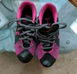 UNDER ARMOUR. GIRLS SOCCER CLEATS SZ 1 y PINK & BLACK pre owned $13.99