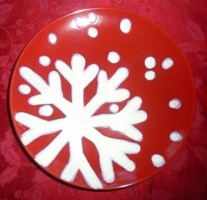 TARGET HOLIDAY 2007 RED SNOWFLAKE CHRISTMAS SOUP BOWL SET OF 8