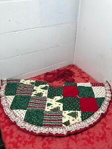 Vtg. Homemade Quilted Patchwork Christmas Tree Skirt Holiday  38