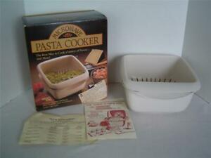 Vtg 2 Piece MICRO ETTE MICROWAVE PASTA COOKER Bowl amp; Drainer With Recipes NICE