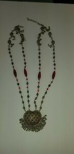 VINTAGE AUCTION FIND NECKLACE WITH BEADS SILVER LOOKS amp;RED STONES