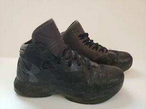 UNDER ARMOUR CURRY YOUTH SIZE. 5.5 BASKETBALL SHOES 1274062 006 $15.00