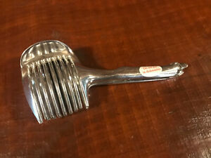 TOMATO SLICER GRABBER - SILVER PLATED MADE IN TAIWAN