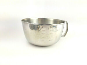 HTF. West Bend 3 qt  Vintage Stainless Steel Measuring Cup Mixing Bowl w Handle