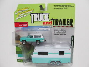 Johnny Lightning -  Truck & Trailer - 1970 Chevy Blazer w Camping Trailer