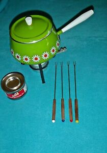 VINTAGE FONDUE SET LIME GREEN WITH WHITE DAISIES INCLUDES STAND, STERNO, 4 FORKS