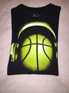NIKE dry fit shirt Size M $10.00
