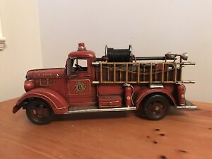 VINTAGE METAL 1938 REO SPEEDWAGON FIRE TRUCK