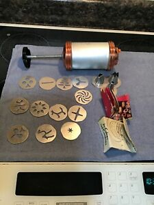 Mirro Cooky Cookie Pastry Press 12 Plates 3 Tips Recipe Booklet $20.00