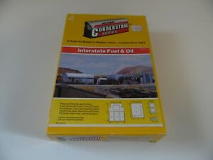 Walthers Cornerstone Series Interstate Fuel and Oil N scale kit 933 3200 $17.49