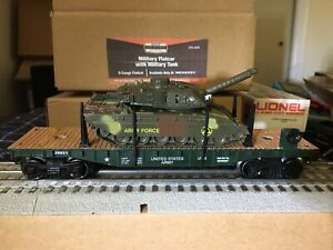 Menards MTW 26931 U. S. ARMY FLAT CAR with TANK Lights and Sounds. NIB. WOW