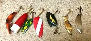 Lot of 7 Vintage Lures