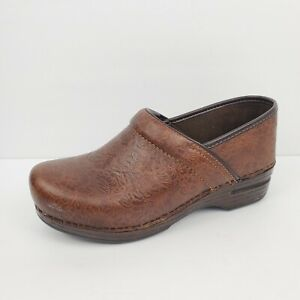 Dansko Clogs Women#x27;s size 38 7.5 8 Brown tooled Leather Professional Nursing