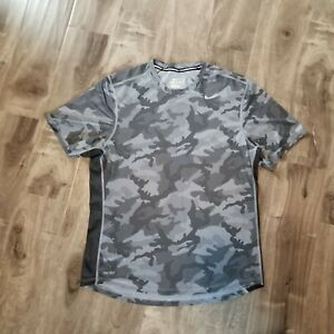 Nike Running Gray Camo Dri fit Workout Shirt Mens Medium Camouflage Print $10.00