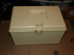 Vintage Wilson Plastic Sewing Box Case w Thread and Notions Beige Cream $19.99