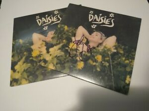 Katy Perry SIGNED LP Daisies Vinyl Record 7 Yellow Single Sleeve Jacket $47.99