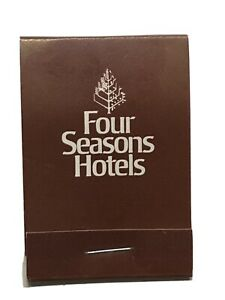 Vintage Sewing Kit Giveaway 70#x27;s 80#x27;s Four Seasons Hotel Excellent Condition $1.00