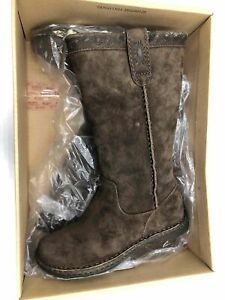 Women#x27;s 2 UGG Suede Chestnut Used boots