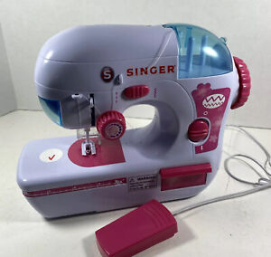 Kids SINGER EZ STITCH Toy Sewing Machine Set w foot Pedal Tested $19.99