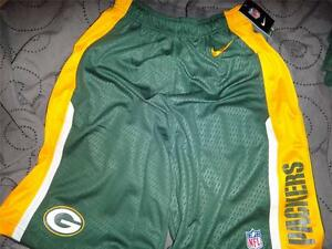 NIKE GREEN BAY PACKERS NFL FOOTBALL DRY FIT SHORTS SIZE SMALL MEN NWT $45.00 $29.99