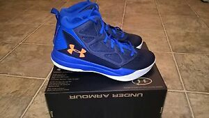 UNDER ARMOUR BGS JET MID BOYS SHOES SIZE 6Y
