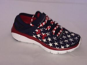 New Under Armour boy's Grade -School Speed form Flag Running Shoe- (4 youth )
