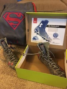 Under Armour Highlight Alter Ego MC Size 12 - Superman w box and backpack
