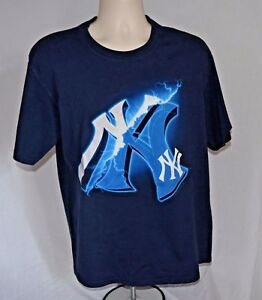 New York Yankees Sz Lg short sleeve T shirt cotton navy By Lee Sport embossed