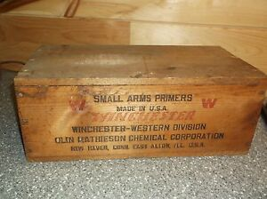 Winchester Small Arms Primers Wood Box Holds 10.000 Rare Box and nice Ammo