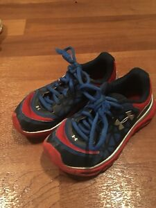 Boys Youth Under Armour Shoes Size 12