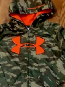 NWT UNDER ARMOUR BOYS 44YR CAMO BIG ARMOUR LOGO ZipUp Hoodie SWEATSHIRT