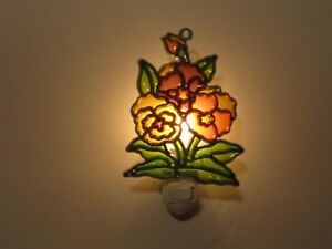 BEAUTIFUL FLOWERS STAINED GLASS STYLE NIGHT LIGHT