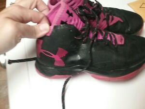 Girls Under Armour Basketball Shoes 3.5