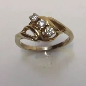 14k Yellow Gold 3 Diamonds Ring Vintage 3 Grams Layers