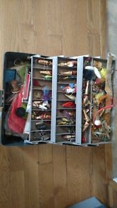 FLAMBEAU TACKLE BOX FULL LURES