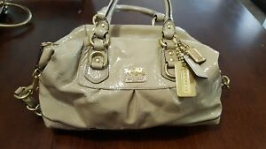 COACH MADISON SABRINA CAMEL PATENT LEATHER HANDBAG 12957 Pre-Own