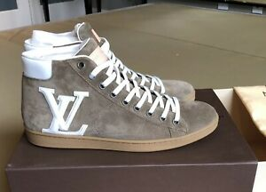 Louis Vuitton Men Sneakers Size 10. Brown. Suede New Still In Box. Offshore