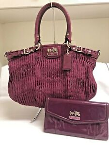 COACH MAROON PLEATED HOBO HANDBAG PURSE PATENT LEATHER TRIM wIth MATCHING WALLET